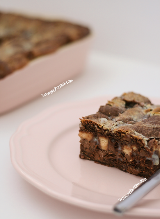 Fudgey Cookie Crumble Bars