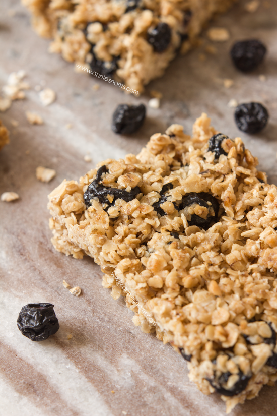 Blueberry Granola Bars | Annie's Noms